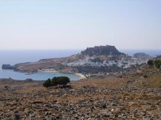 Lindos mit Hafen und Akropolis